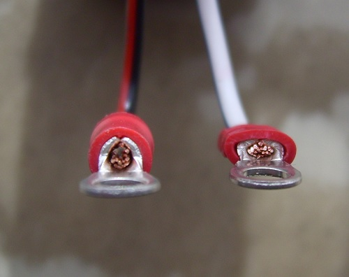 Image for ¿Cual es el impacto en el voltaje de una unión de cables y/o terminal mal instalada?